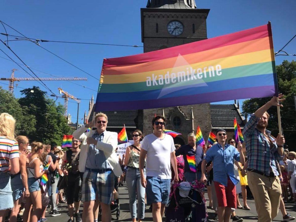 Gå med Akademikerne i årets Pride