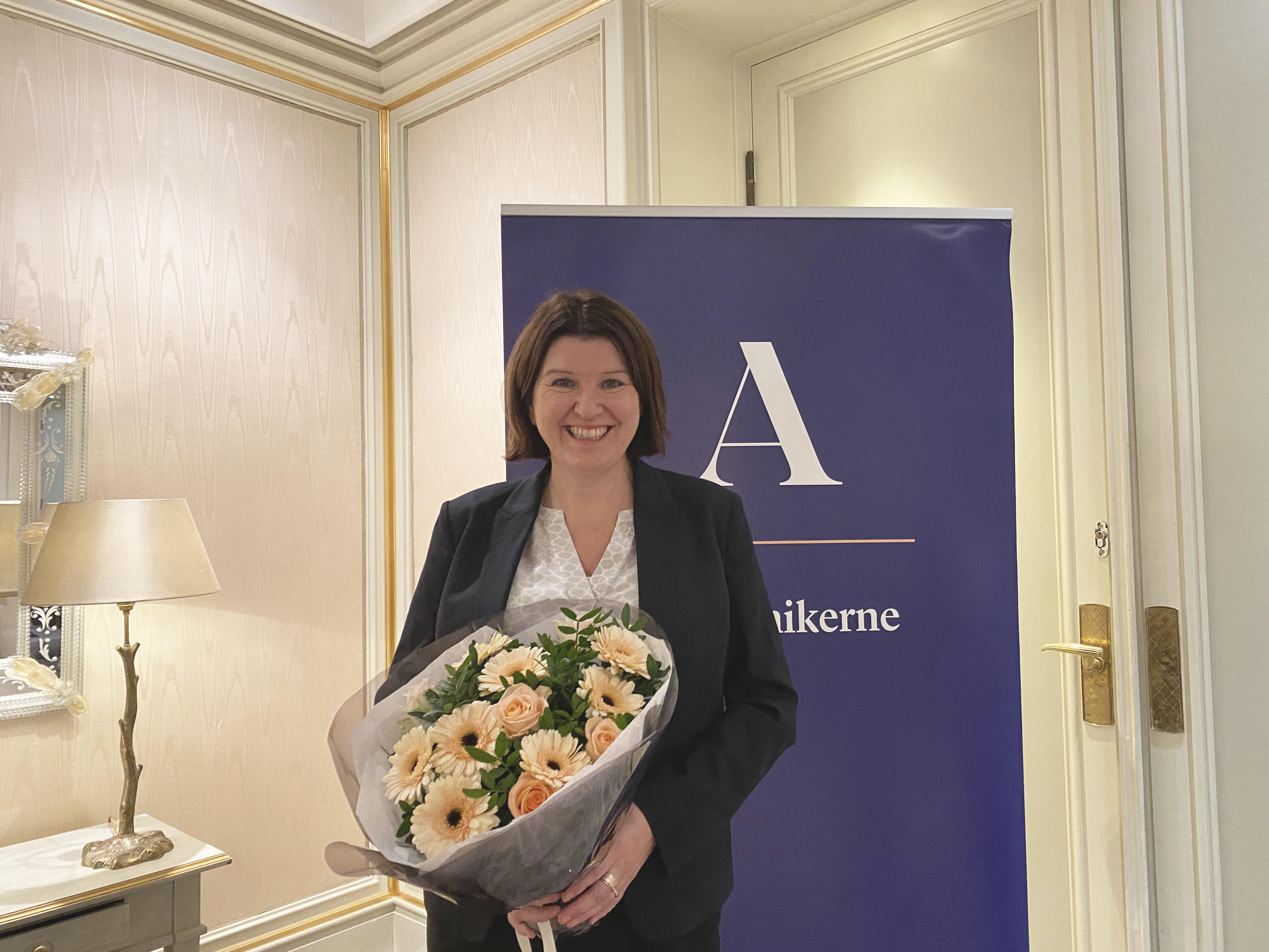 Kari Sollien gjenvalgt som leder av Akademikerne