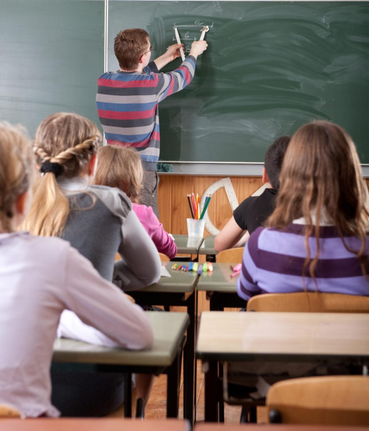 - Dybdelæring og kritisk tenkning viktig i skolen